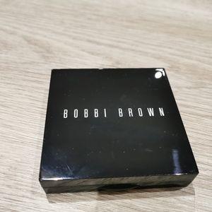 Bobbi Brown limited-edition highlighting powder